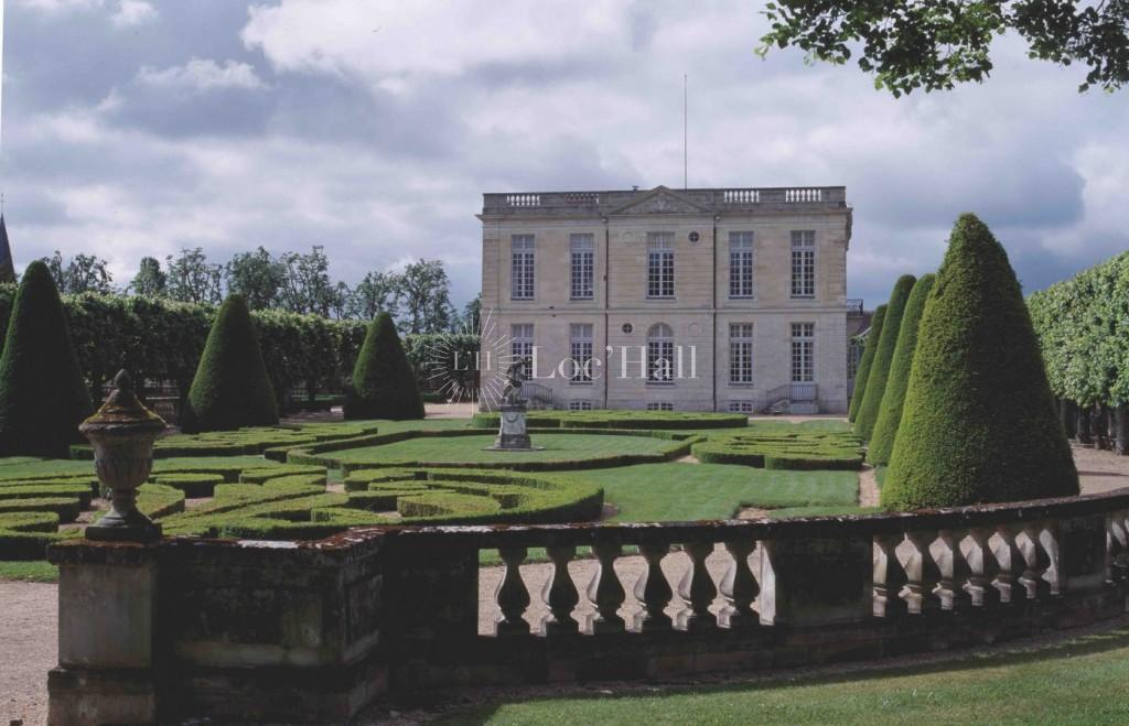 Privatisation du Château de Bouges pour des réceptions