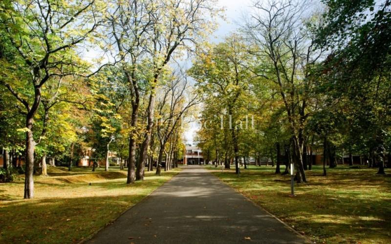 Le Campus aux Mureaux : Location et Privatisation Loc'Hall