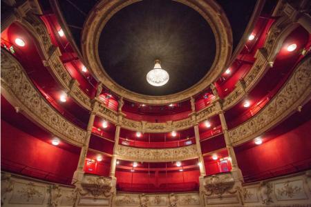 Théâtre municipal de Nevers : Location & Privatisation