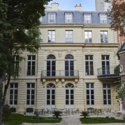 Location hotel particulier dans le triangle d'or